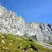 Im Anstieg zum Einstieg - irgendwo dort oben muss der Klettersteig wohl sein.