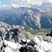 Blick Richtung Osten, im Sextner Dolomiten. Durrenstein(2839m) im Vordergrund ist auf meine Frau Wunschliste, so muss ihn besteigen.Haunold(2966m) oder Hochebenkofel(2905m) sind auf meine Wunschliste, was soll ich wählen?