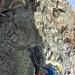 Markus, Andi und Remco klettern parallel durch eine Rinne.