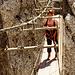 Marion auf der Ausstiegs-Hängebrücke