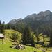 Blick von der Alp Fräkmünt über den gesamten Grat zum Matthorn.