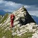 Die letzte Meter auf den Gamsberg Gipfel. Der Föhn wehrt die Schlechtwetter Wolken aus dem Süden wacker ab. Genau wie wir es berechnet haben.