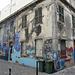 sogar eine marode Hauswand wird zum Kunstobjekt