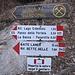 Wegweiser am Parkplatz in Palu del Fersina - vom Monte Croce oder einem Ziel in dieser Richtung ist hier keine Rede.