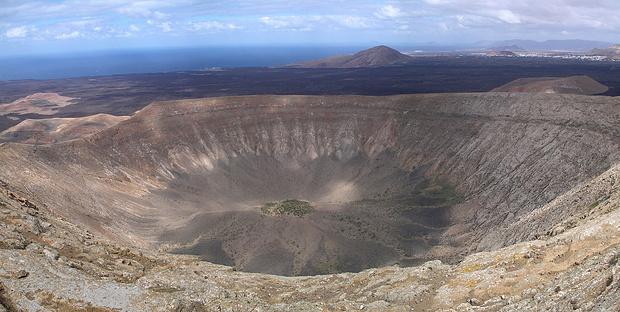 Ein rechtes Loch ist dieser Krater!