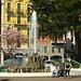 Im Stadtzentrum von Lugano mit dem Sprinngbrunnen am Seeufer.