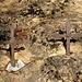 Crocette nella roccia presso la Cappelletta poco prima del borgo di Ave (bivio per Colle Palazzo)