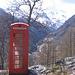 Vista panoramica con cabina del telefono inglese (sic).