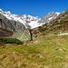 Bei Vordere Röti geht der Blick ins Chelenalptal.