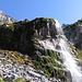 """La magnifica cascata """"pietrificante"""" nei pressi della Seewlialp."""