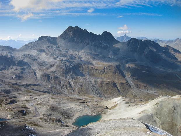 Der Schrottenkopf vom Gipfel der Gaisspitze aus gesehen.
