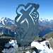 Ein kunstvolles Gipfelkreuz begrüsst uns auf dem Gipfel der Rosablanche 3336m