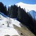 Aufstieg durch Schnee (déjà vu) etwa in der Bildmitte