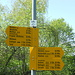 Wegweiser bei der Station Mellikon