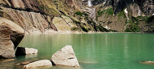 Gelmersee: Wasser und Granit!
