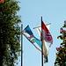 Beim Alten Wirt in Langenbach weht die Fahne noch fröhlich im Wind,<br />9 Std. später bestimmt nicht mehr .