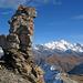 Der Miniturm beim Gipfel des Becs de Bosson, dahinter das Weisshorn