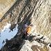 [u Schlumpf] im kurzen Abstieg zum Verbindungsgrätchen zwischen Grat und Gipfel Hoh Brisen - sehr ausgesetzt!!