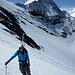 Etwas entspannteres Hochsteigen im flacheren Schneefeld oberhalb des Séracs.