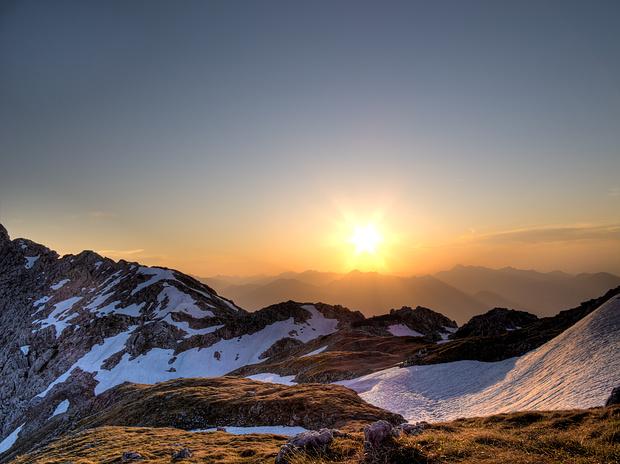 Die Sonne geht unter über dem Wilden Kaiser...