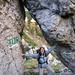 """... und sie teilte die Felsen (wenn da nicht """"Tor"""" angepinselt wäre, man würde es glatt übersehen ;-)"""