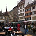 Wie ich in Neuchâtel ankomme, ist Markt.