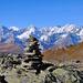Cairn et Massif du Mt Blanc au loin - Mt Blanc, Grandes Jorasses, Tour Noir, ...