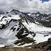Panorama vom Jörihorn. Die Jöriseen machen noch einen ziemlich winterlichen Eindruck
