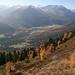 La vue dans la vallée du même p.2283m. On voit, entre autres, la longue crête du Piz Mezzaun