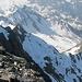 Nochmal die heutige Situation beim Aufstieg. <br />Von links: Vorgipfel P. 3060; dahinter rechts Winterberg; rechts davon absteigend der Grat von der Scharte.