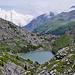 Schwarenbach in Sicht. Unten im Loch bei Pt. 2003 ein neuer See. Im Aufstieg zum Rindersattel kommt wiederum das Gummiboot zum Einsatz.