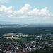 Ausblick nach Norden. Rechts im Hintergrund ist schwach die Frankfurter Skyline zu erkennen
