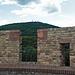 Blick vom Alsbacher Schloß zum nahen Melibokus (ca. eine Gehstunde entfernt, 250 Höhenmeter)
