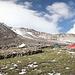 01.07.2012. Im Lager 1. - Bei wieder etwas mehr Sonne blicken wir in Richtung des wolkenumhüllten Ararat-Gipfels.