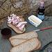 ... Anche oggi , il ns. pranzo  è doc, il guanciale non si scioglie al sole , in aggiunta anche il parmigiano dei terremotati.