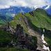 Beim Spitzensattel 40 Meter auf den höchsten Punkt gestiegen. Schöner Überblick auf die Spitzen und unser Ziel am Ende des Grates