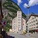 Gondo mit dem markanten Stockalperturm. Heute ein Hotel mit sehr gutem Ruf.