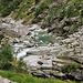 Flussbett mit heute zahmen Restwasser