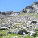 La pietraia di Pezze Grosse sovrastata dal Pizzo dei Foiòi (versante E)