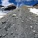 Aufstieg über die Seitenmoräne. Ab der Hütte weiß-blau markiert.<br />In ca. 3000 m Höhe folgt man der weiß-grünen Markierung (nach rechts) zum Mont de l`Etoile