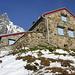 Leutschachhütte mit Mäntliser im Hintergrund