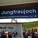 Menschen strömen zur Jungfraubahn