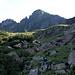 Salita verso il fianco della Punta di Valstorna. Da notare l' ottima segnaletica della AVL Alta Via Lariana