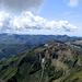 Dalla vetta verso S. Si vedono il Marmontana, ed il costone Bregagno - Marnotto - Tabor - Pianchette - Pizzo di Gino - ...