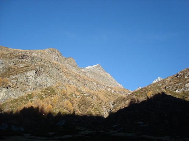 Pizzo di Cassimoi in Bildmitte nochmals vom Val Carassino aus gesehen. Eine geniale Tour.