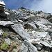 Abstieg in der Südflanke des Piz Blas.