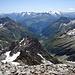 Heimstock-Gipfel, Blickrichtung Süd: Cuolm Tgietschen, Val Russein und die Medelserhörner