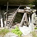Ausgebautes Splüi am Aufstieg nach In di Ari