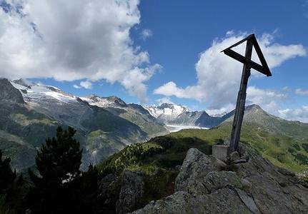 Das schiefe Gipfelkreuz vom Riederhorn