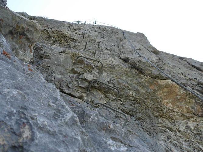 Klettersteig Zittergrat : Der klettersteig zittergrat ist meist vertikal angelegt